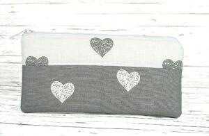 Handytasche Herzen grau-weiß